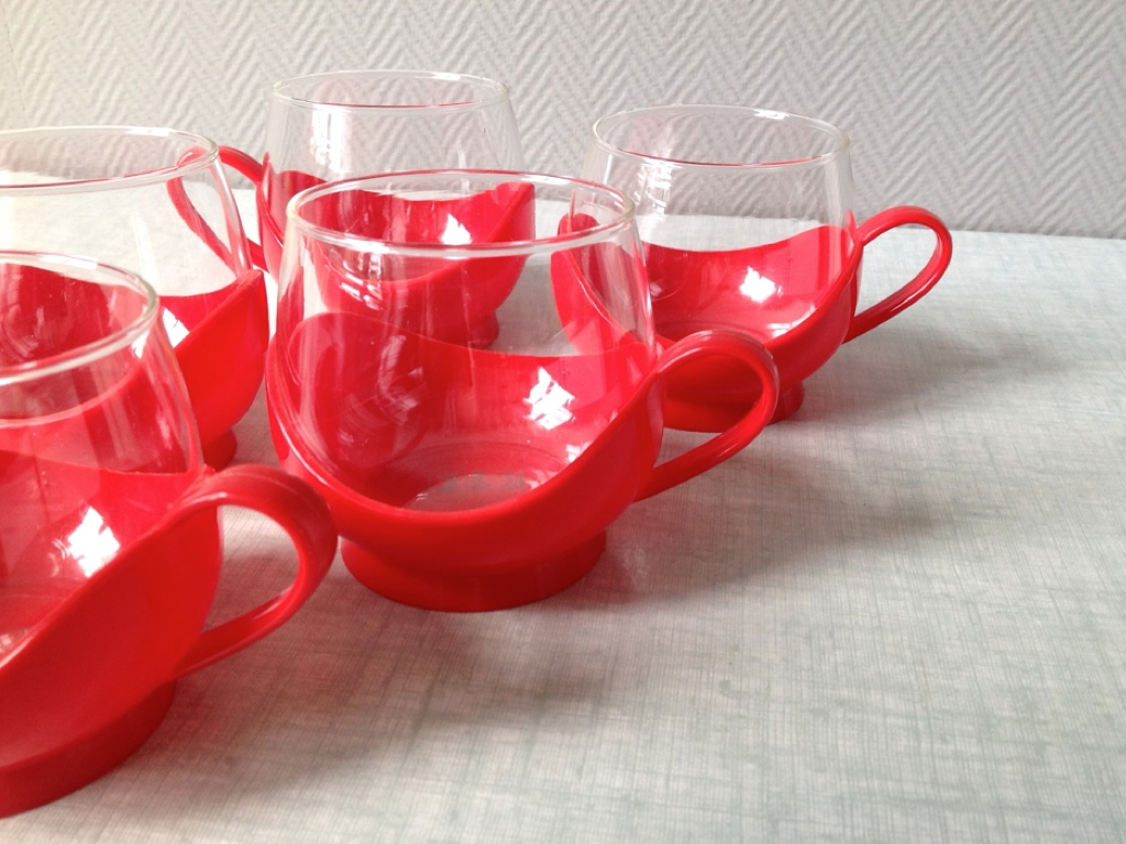 Tasses rouges Melitta vintage