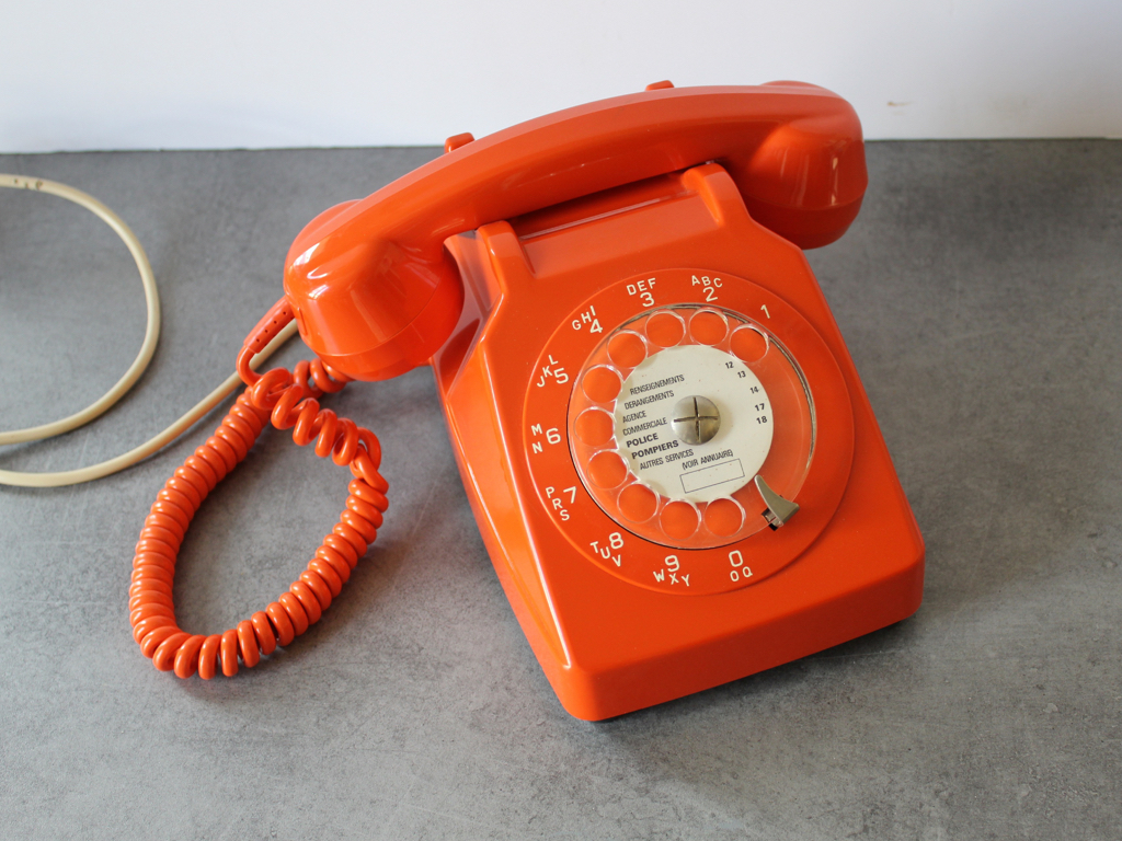 Telephone-a cadran-Socotel-S63-orange-vintage